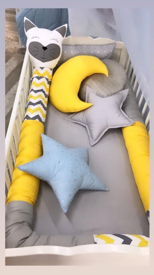 Набор с детскую кроватку с круглыб бортиком колбаской