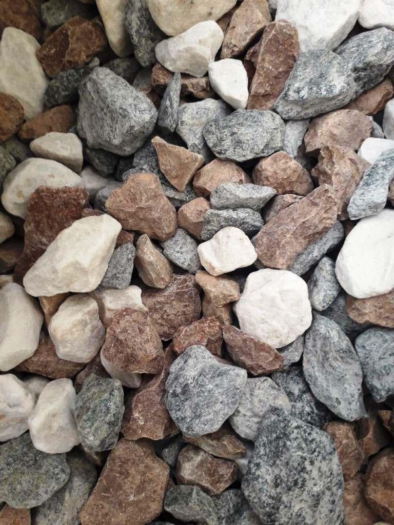 Камень разных расцветок в ассортименте