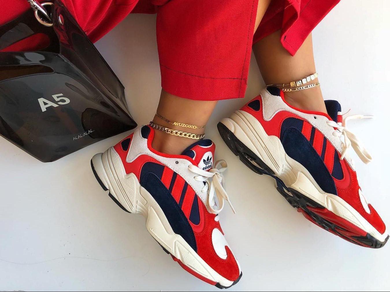 Самые модные Женские кроссовки Adidas Yung 1