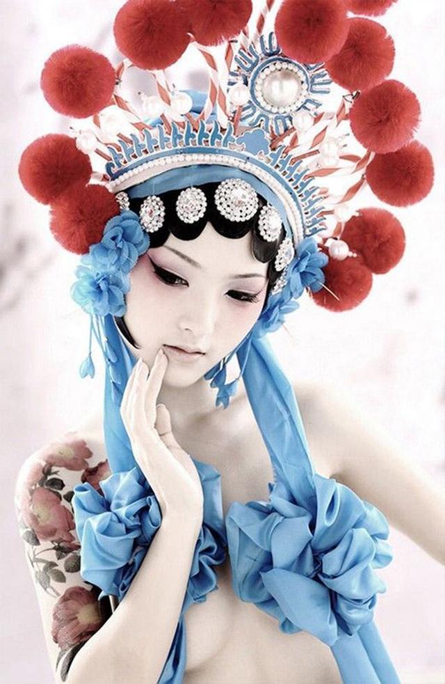 Сценический костюм для Китайского оперного театра