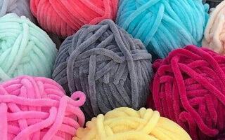 Нитки для вязания велюровые