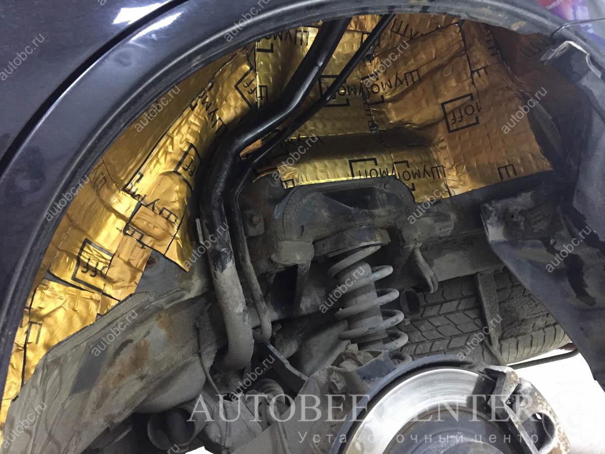 Mitsubishi Outlander (шумоизоляция колесных арок)