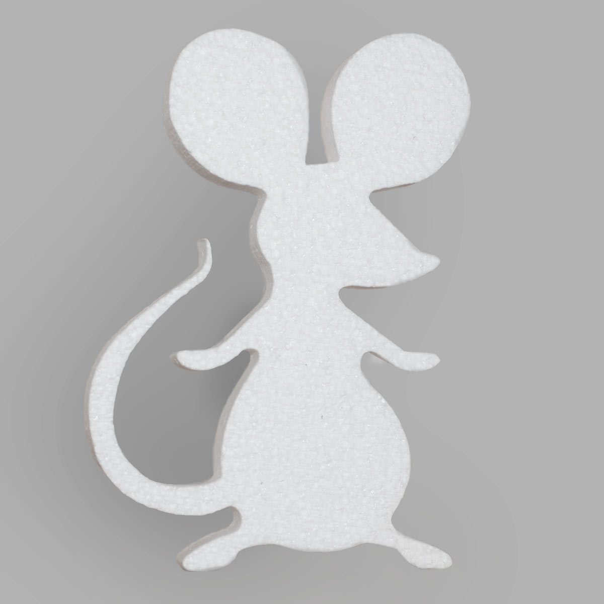 мышь из пенопласта - символ года.