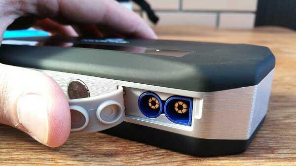 Словой разъем под резиновым уплотнителем Neoline Jump Starter 500A
