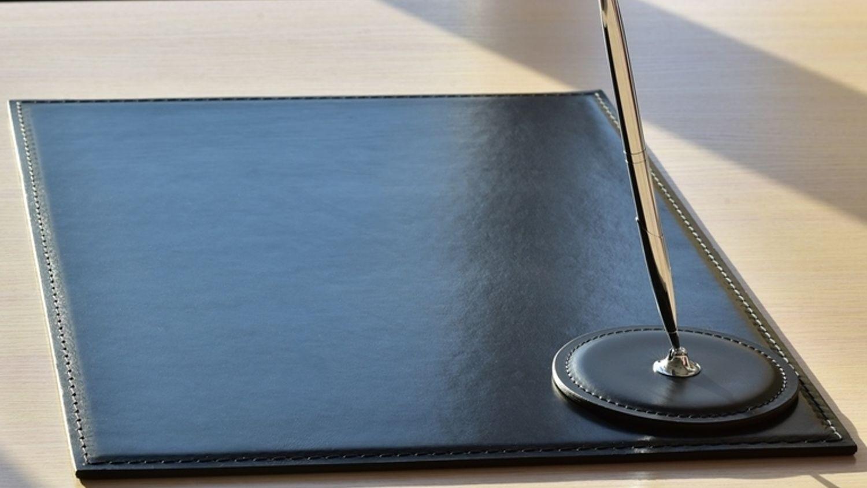 Фото категории бюваров серии Бизнес-МТ с металлической вставкой.
