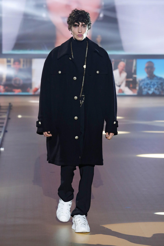 Теплое мужское пальто