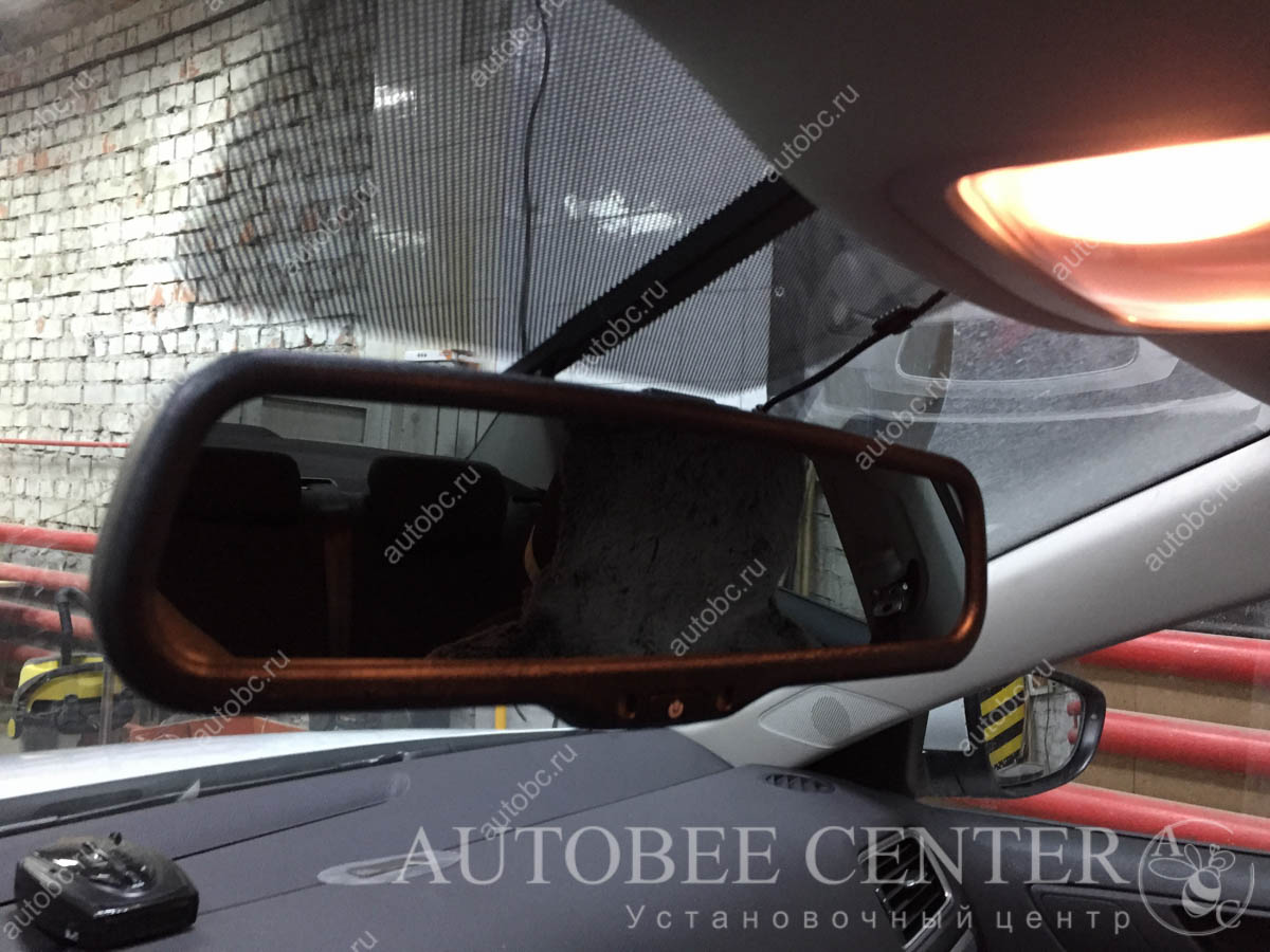 VW Jetta (Камера заднего вида с зеркалом)