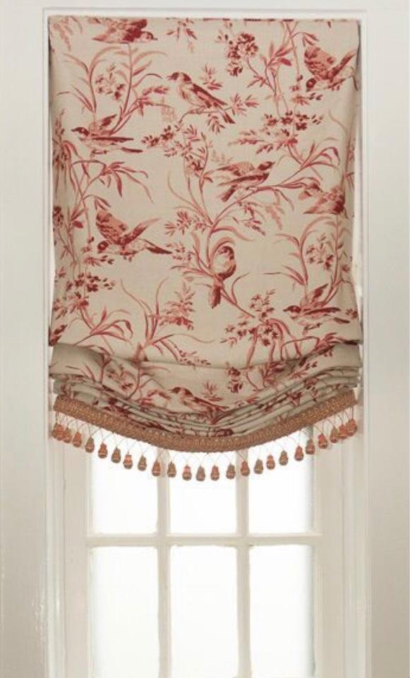 Бескаркасные римские шторы