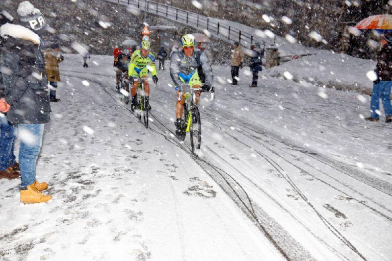 Шоссейная гонка в снег