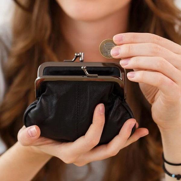 Как правильно дарить кошелек женщине
