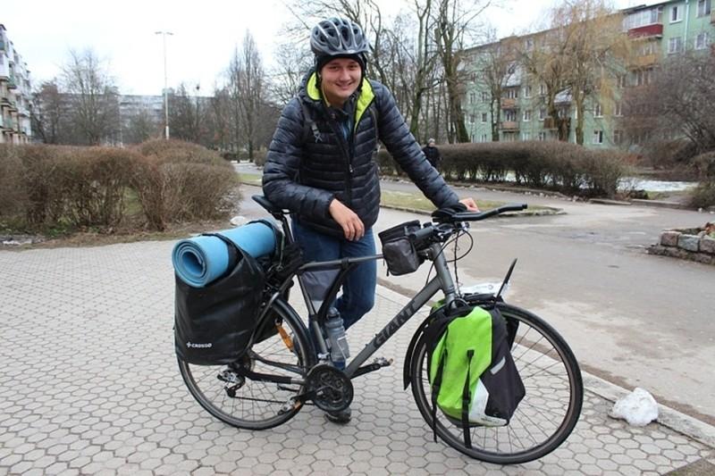 Велосипедист-путешественник