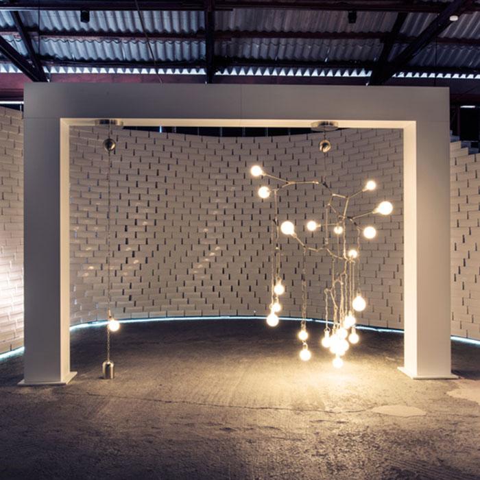 Инсталляция Lindsey Adelman для Nike