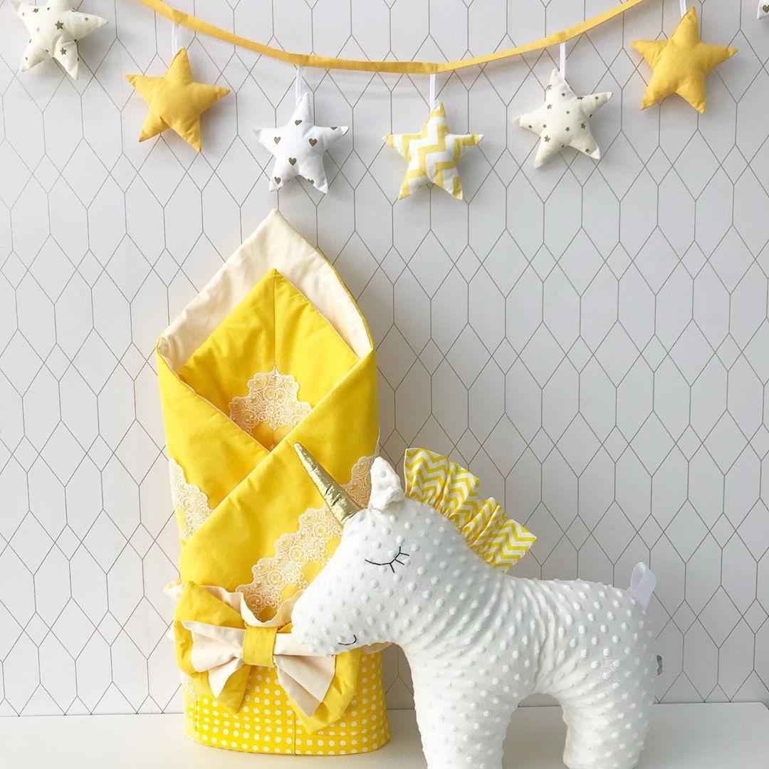 Желтый осенний конверт на выписку из роддома