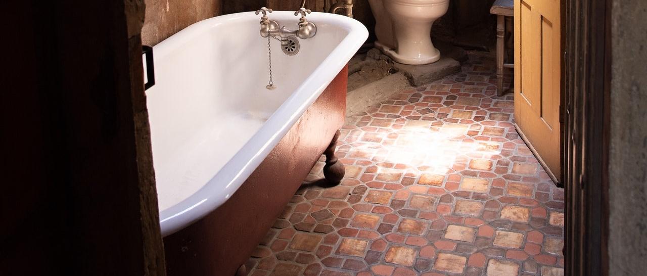 Покрытие чугунной ванны