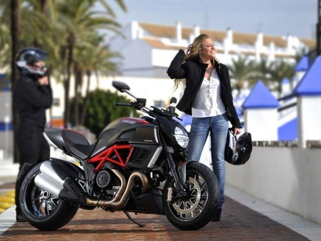 Городской спортивный мотоцикл