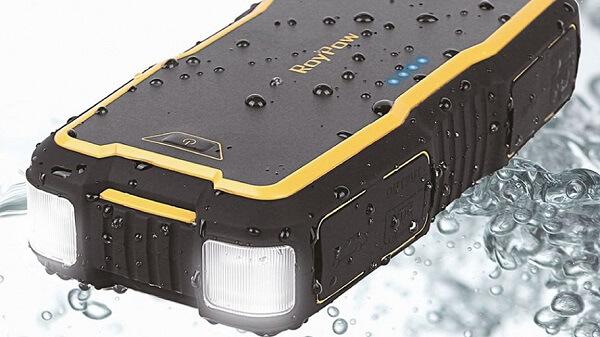 Влагозащита пускового устройства для автомобильного аккумулятора RoyPow J18