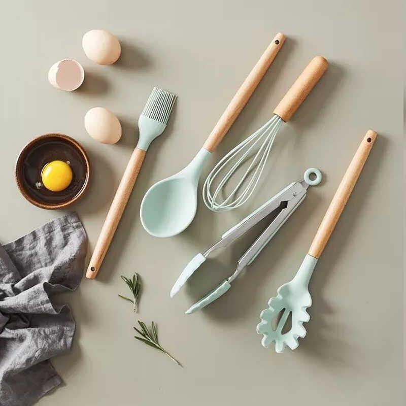 Качественный кухонный набор принадлежностей