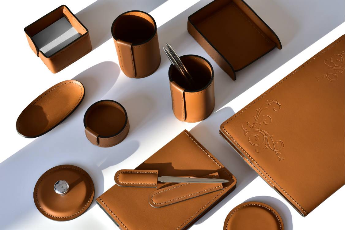 Набор настольный кожаный из 9 предметов цвет табак