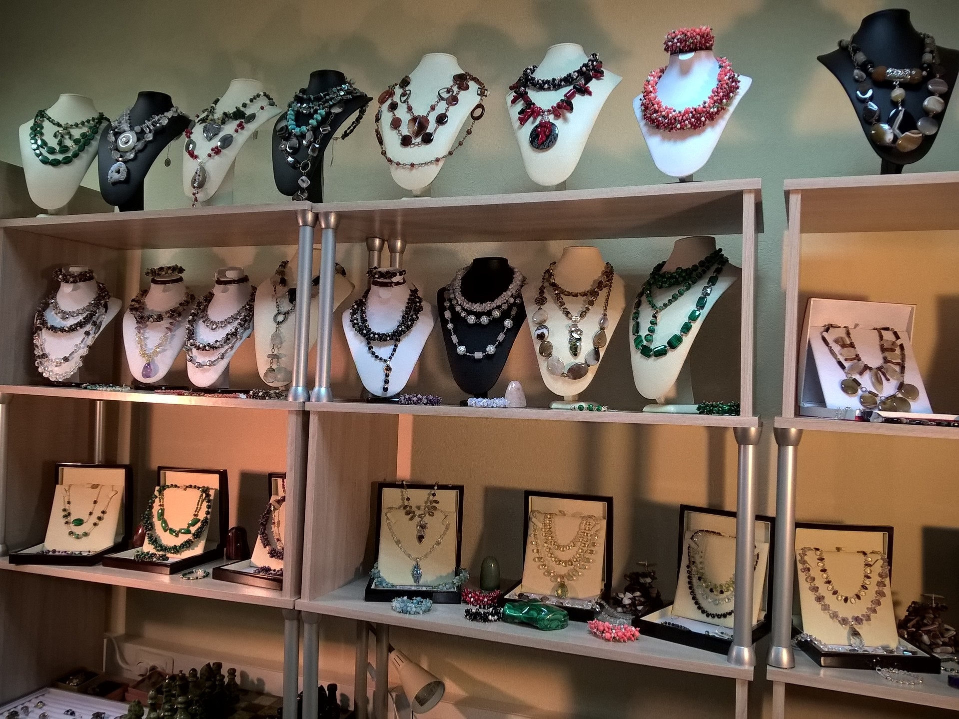 Открытие магазина камней и минералов в Москве