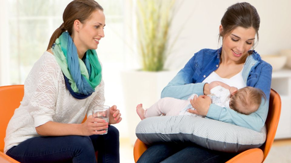 purelan-mum-breastfeeding-baby.jpg.2016-04-04-16-01-34.jpg