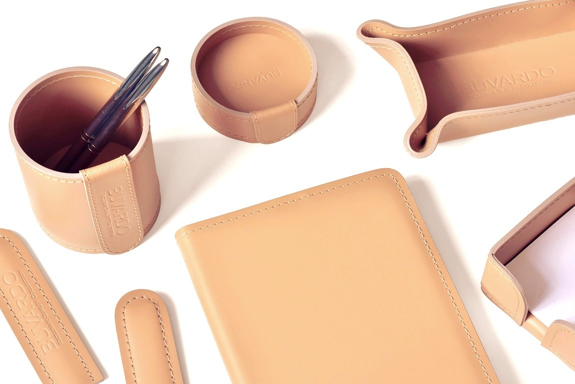 Настольный набор руководителя из 9 предметов цвет натуральный из кожи cuoietto: