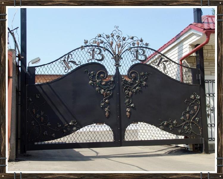 Художественная ковка ворота и ставни