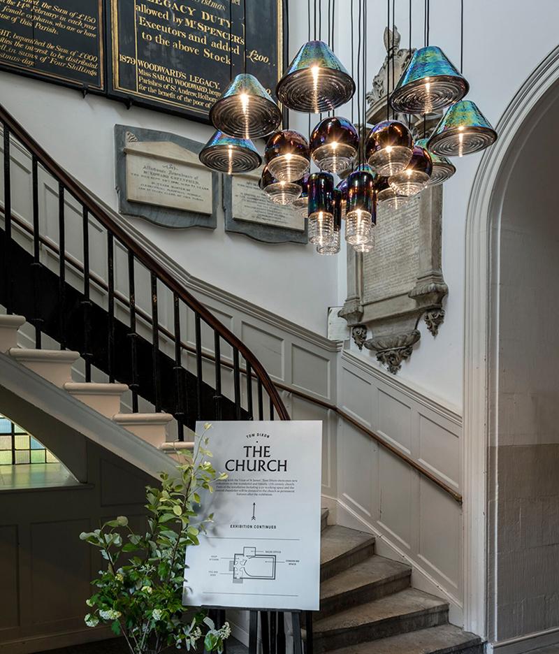 Светильники Tom Dixon в лондонской церкви