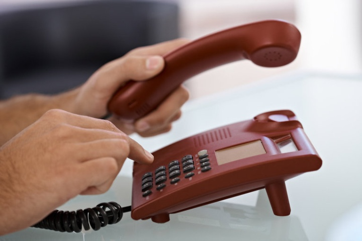 Часто проблему с онлайн-кассой можно решить в телефонной режиме