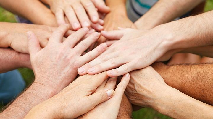 В дружном коллективе воровство встречается значительно реже