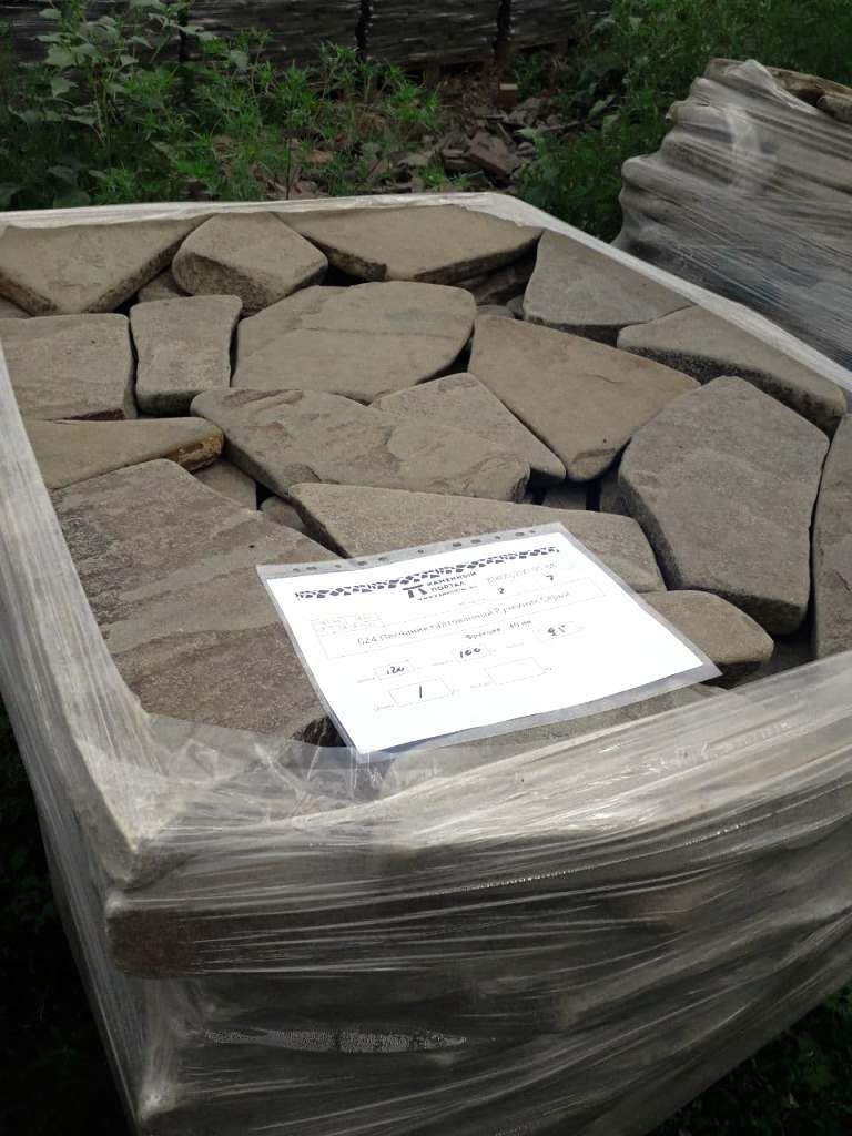 Ростовский камень на поддоне
