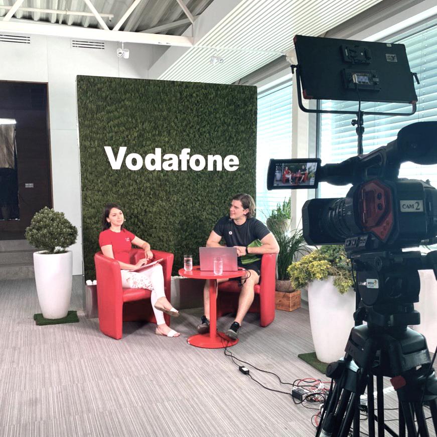 Консультація працівників офісу Vodafone Ukraine