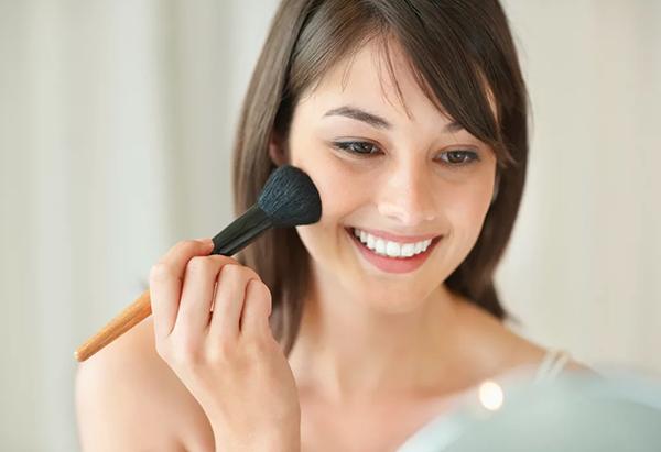 Почему необходимо подготавливать кожу лица перед макияжем