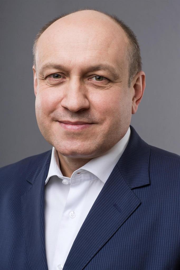 Александр Емелин