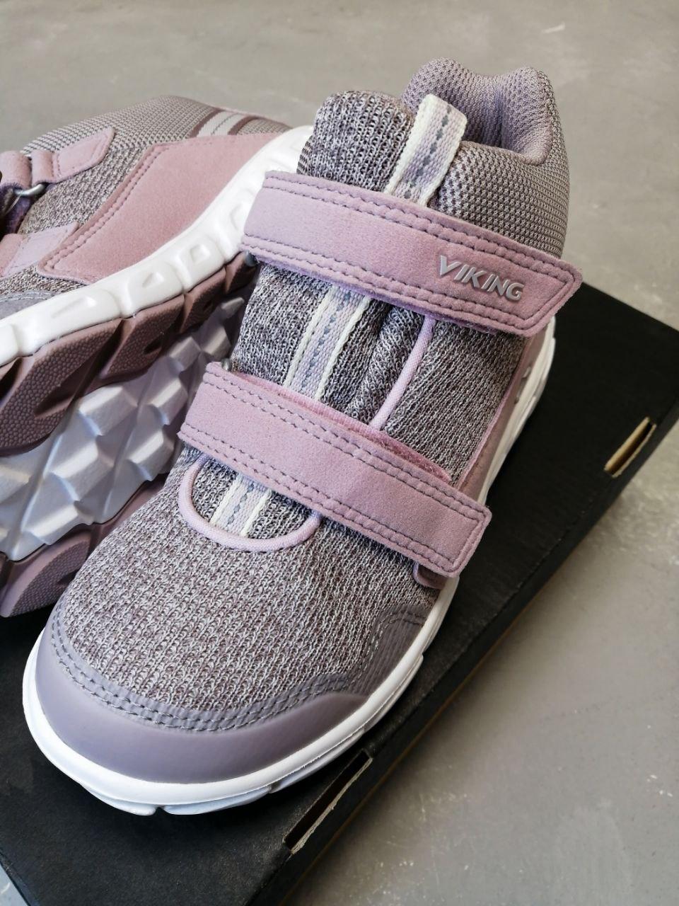 Купить кроссовки Viking для девочек в интернет-магазине Viking-Boots можно с доставкой в любой город России