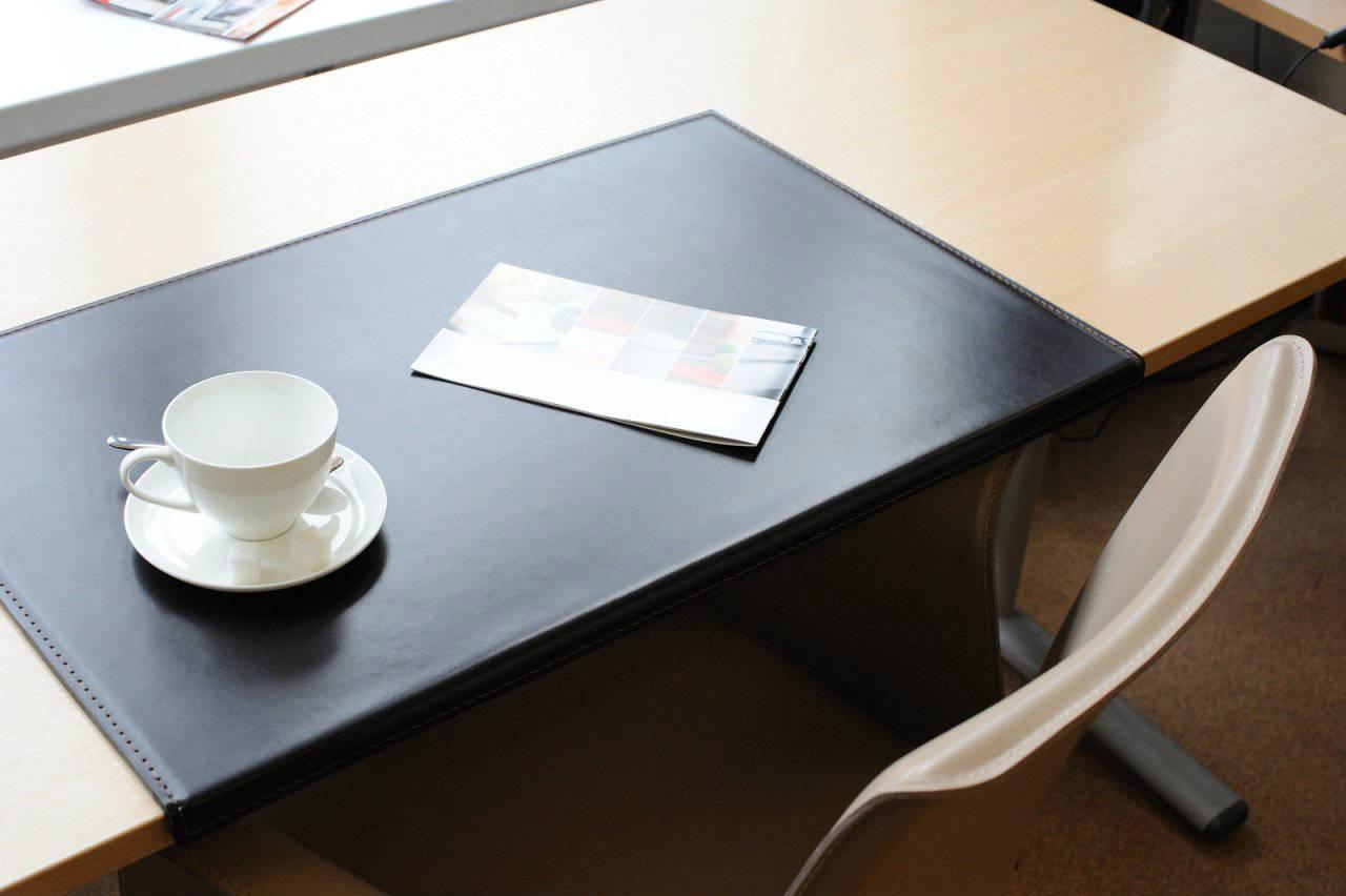 коврик с загибом на стол