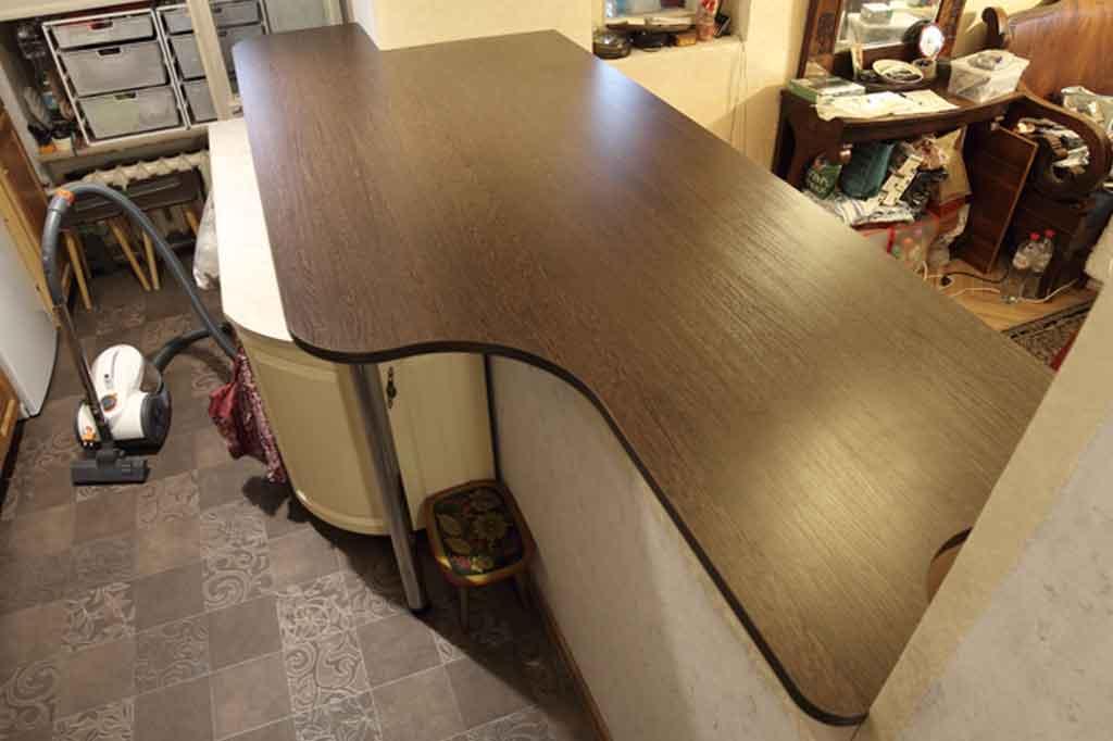 Горизонтальная шкаф-кровать с барной стойкой
