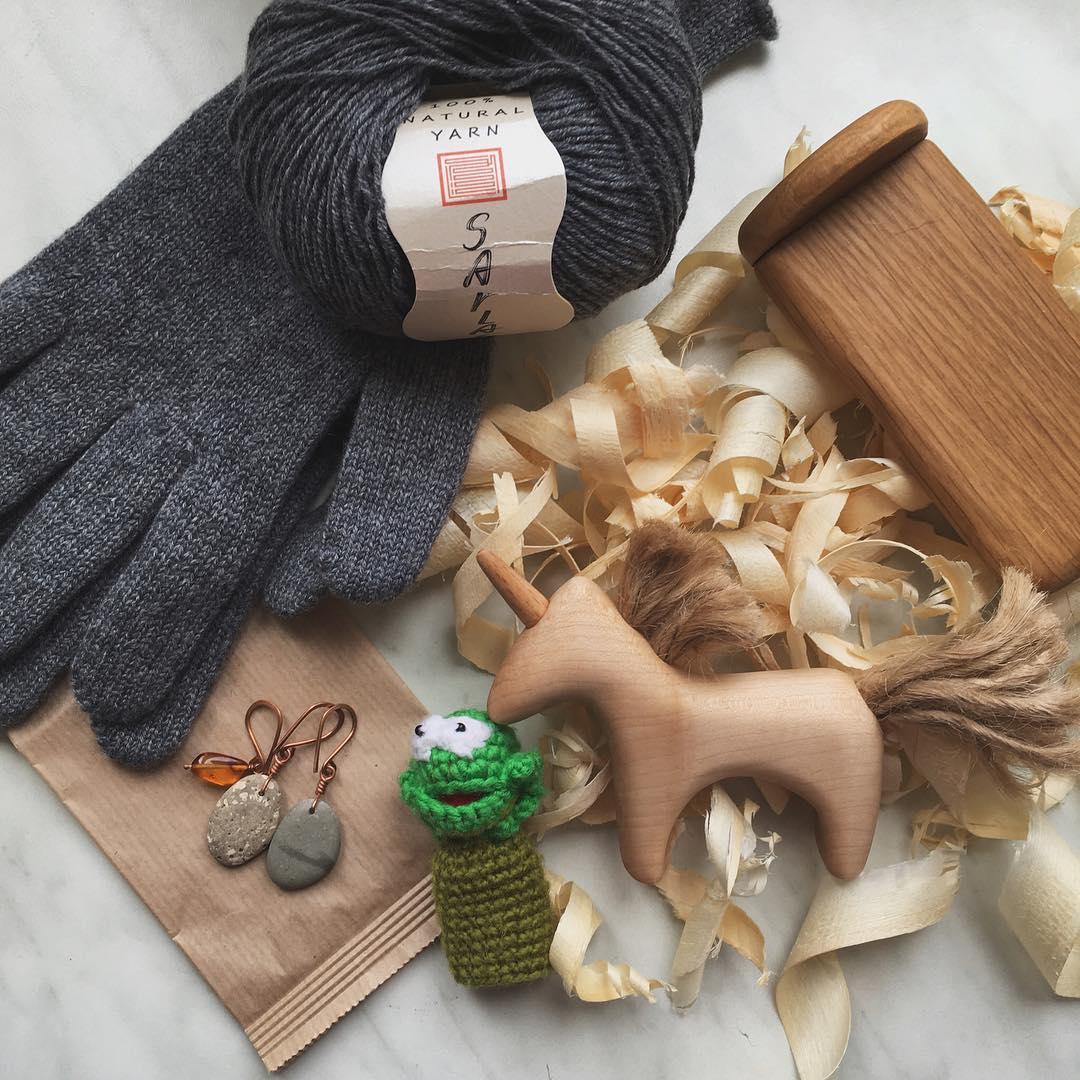 перчатки и пряжа кашемир