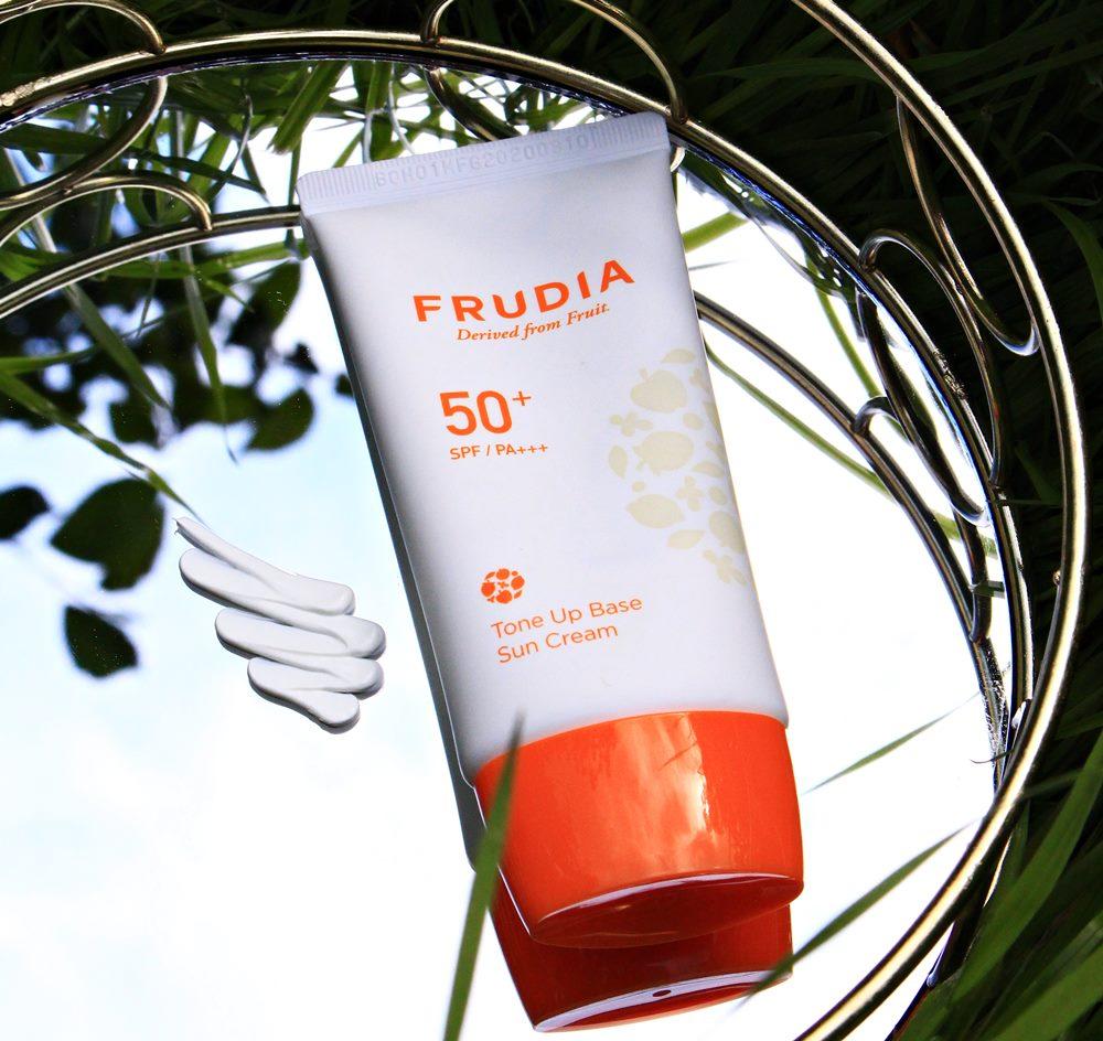 солнцезащитный крем frudia