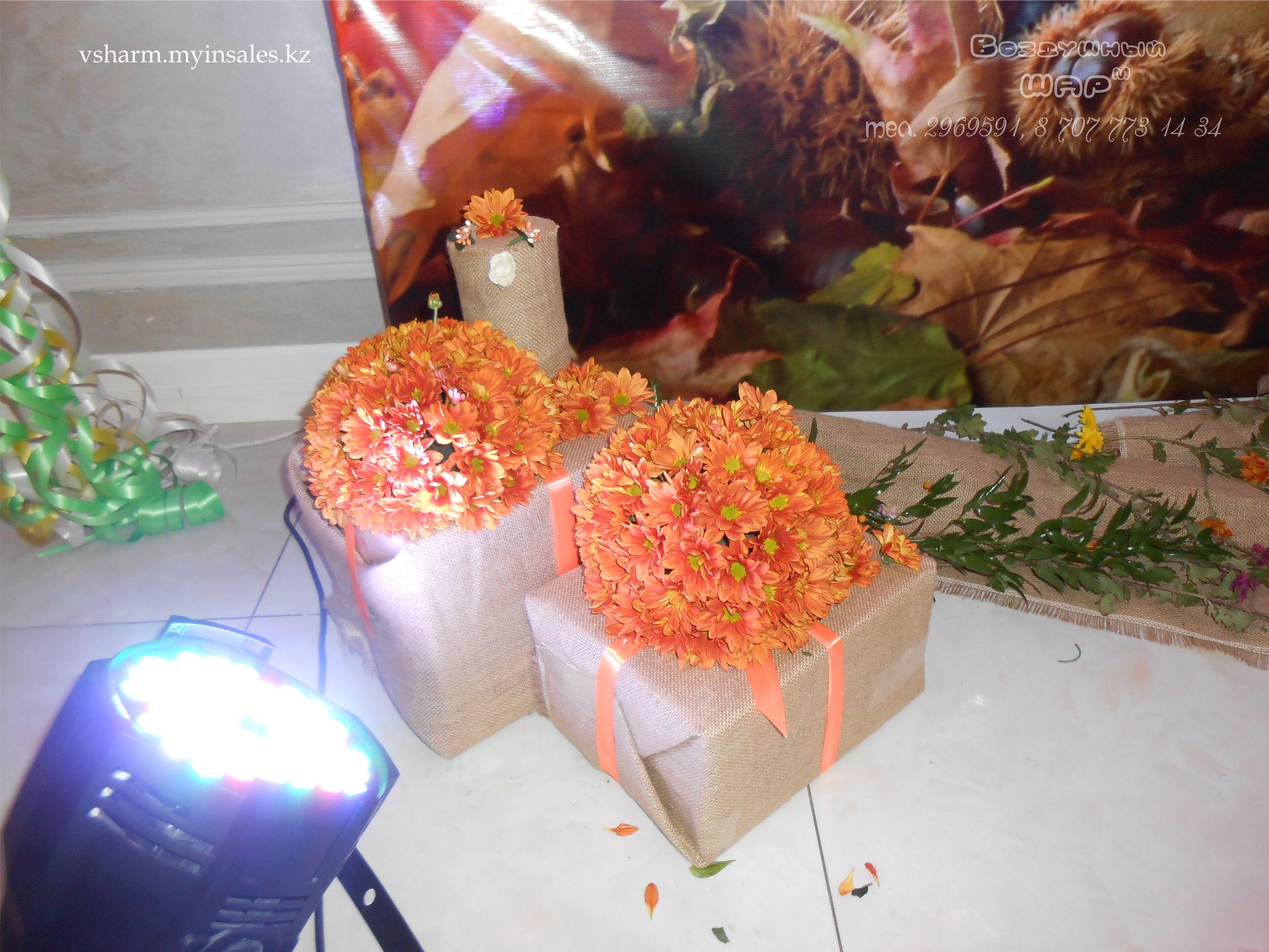 декор_пресс_стены_цветочными_шарами_и_коробочками.jpg