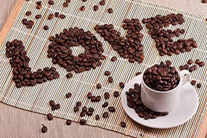 Надписи кофейными зернами