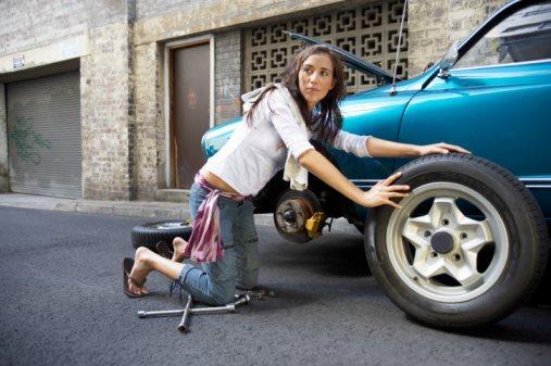 Как герметик для шин быстро поможет с пробиты