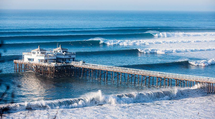 Malibu Beach в Калифорнии, самый знаменитый пляж для серфинга