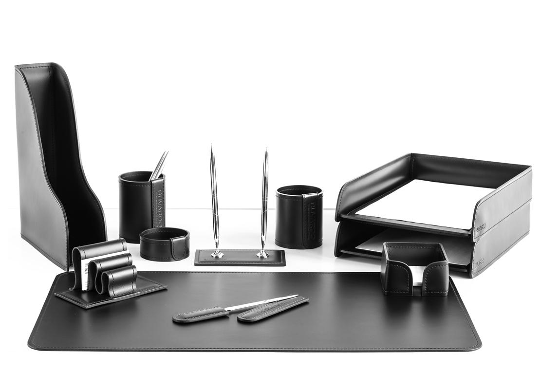 Настольный набор руководителя из кожи Cuoietto цвет черный из 11 предметов: