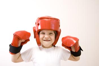 Фото ребенка в боксерском шлеме