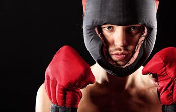 Фото боксера в шлеме