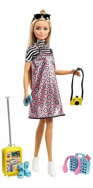 Все аксессуары из набора Barbie Путешествие (фото-крупный план)