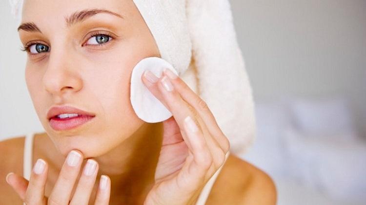 Очищення жирної шкіри
