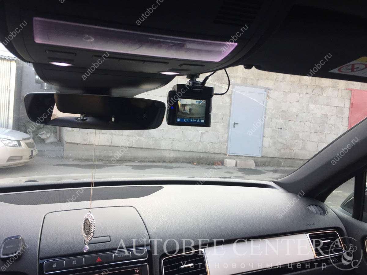 VW Touareg NF (разнесенный радар детектор с видеорегистратором)