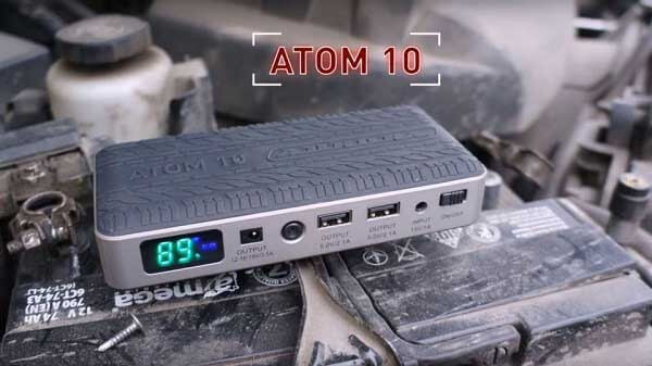 Пусковое устройство для запуска двигателя автомобиля при разряженном аккумуляторе Aurora Atom 10