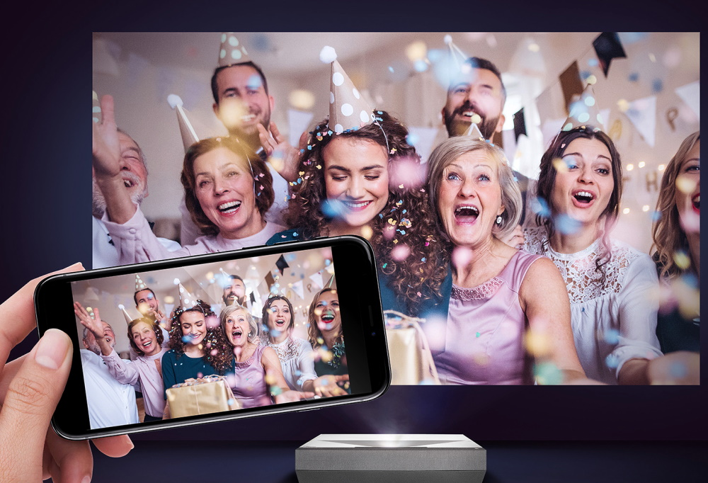Ультра-короткофокусный проектор Optoma CinemaX P2 4K